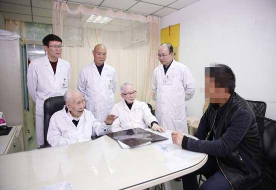 96岁肝病泰斗田庚善:老骥伏枥 医教不止